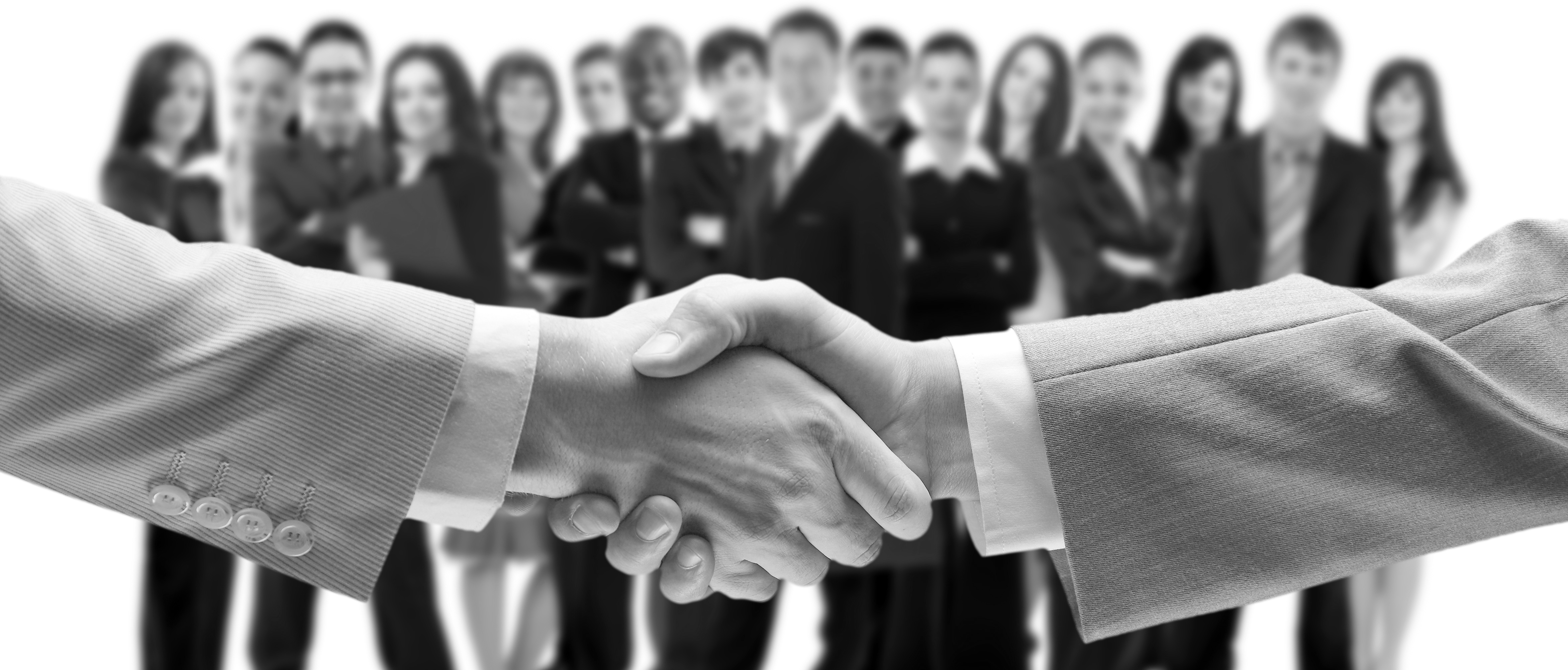 The Handshake: 3 DO's and 3 DON'Ts - Career Centre - Telfer School of  Management