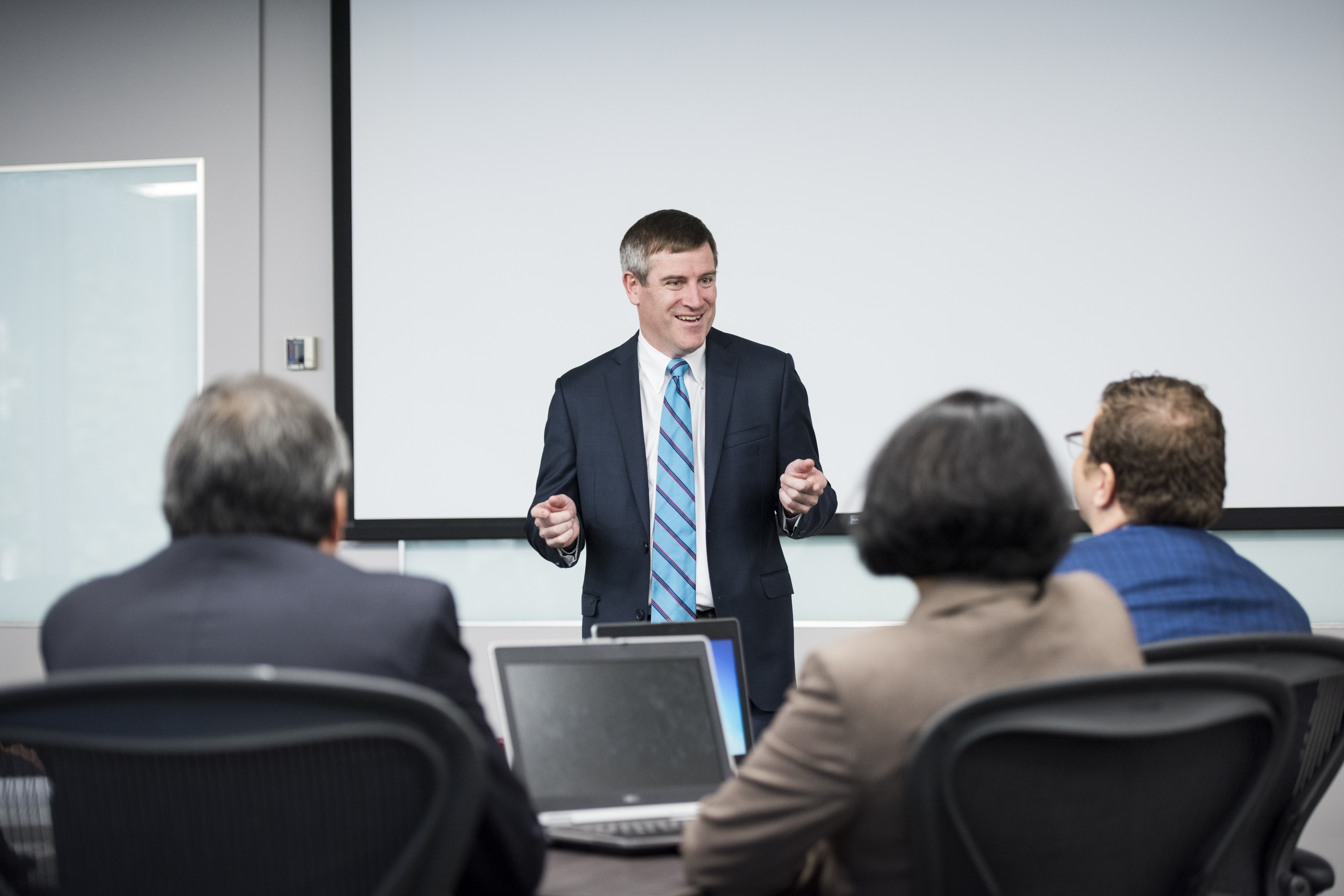 Professor Michael Mulvey leading a discussion in the Executive MBA classroom