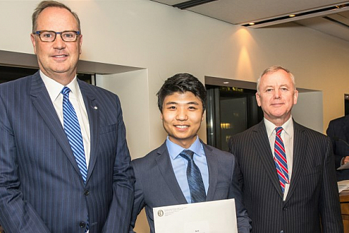 BCom student Jia Li receives Futures Fund Scholarship at the Canada's Outstanding CEO of the Year Gala in Toronto