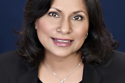 Dr. Mamta Gautam Offers Free Online Support to All Canadian Physicians