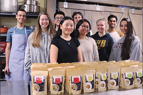 Telfer Students Help Under-served Communities with Produce and Meal Kits during COVID-19