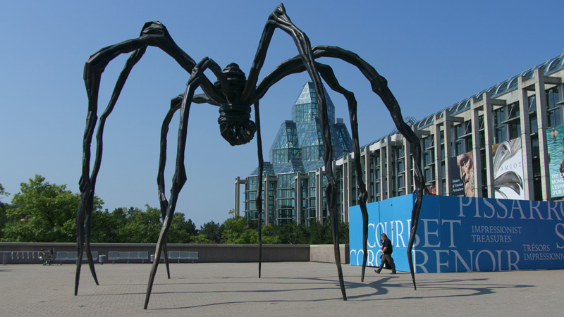 Maman sculpture in front of the National Gallery of Canada