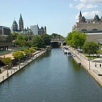 landscape photo of the Rideau Canal in Ottawa