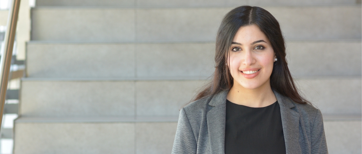 Reem El Attar tells a story of immigrants' interpersonal experiences in the workplace